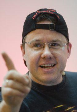 Datensicherheit tut not: Drei Fragen an Live-Hacker Tobias Schrödel zu Datenschutz und Datensicherheit