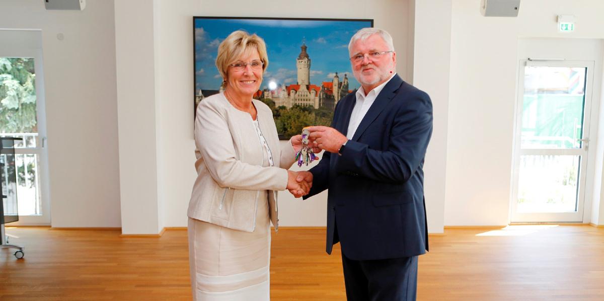 Vorstandsvorsitzender-Wilhelm-Grewatsch-altersbedingt-ausgeschieden-Dr.-Kristina-Fleischer-übernimmt-die-Aufgaben